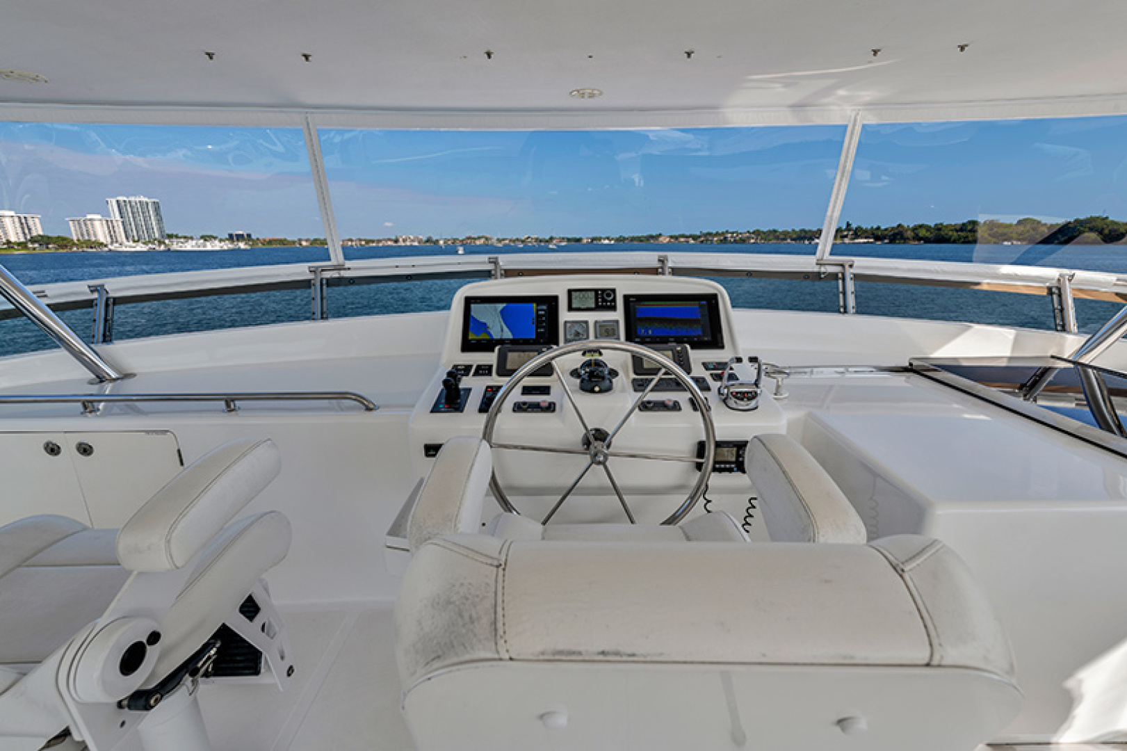 Outer Reef Yachts-Raised Pilothouse 2007-MS. MONICA Palm Beach Gardens-Florida-United States-Upper Helm-1119570   Thumbnail