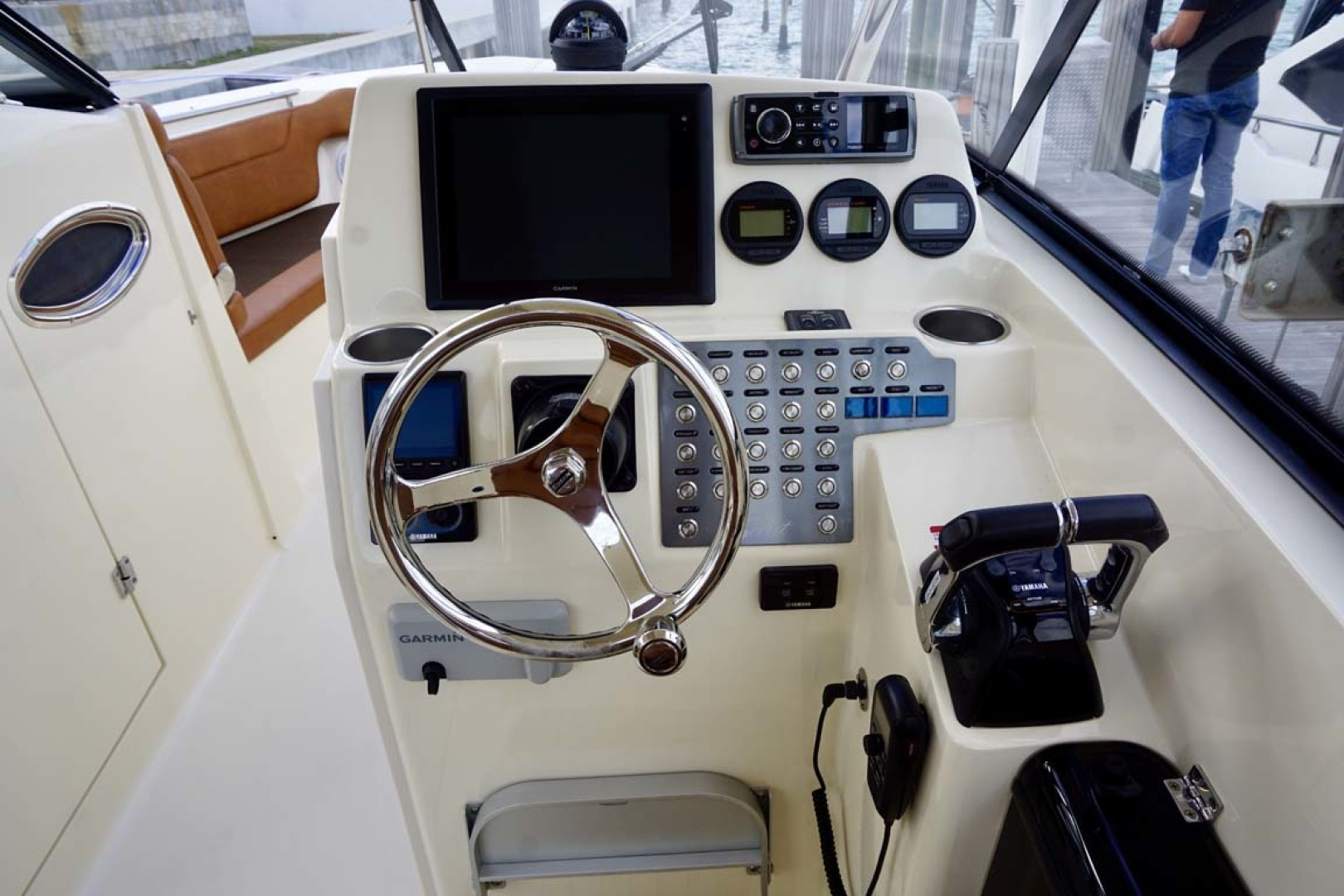Scout-Dorado 2014-Fast Forward Miami Beach-Florida-United States-Helm-1119603 | Thumbnail