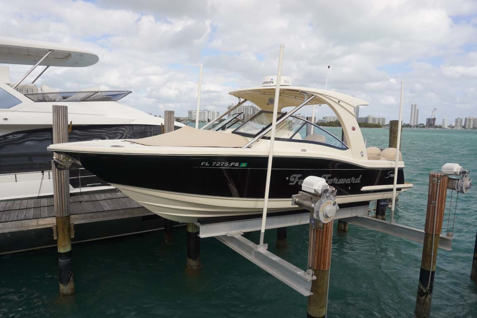 Scout-Dorado 2014-Fast Forward Miami Beach-Florida-United States-Port Bow-1119589 | Thumbnail