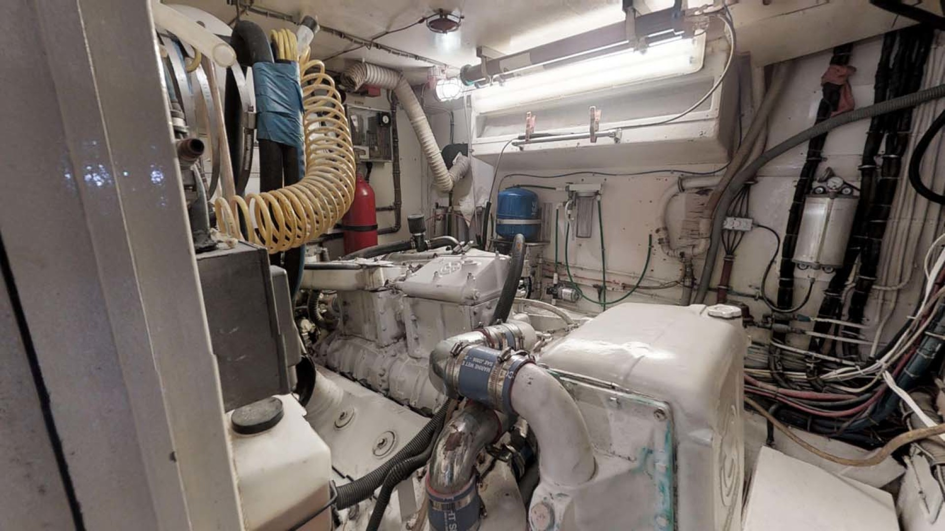 Hatteras-74 Motor Yacht 1981-Pleasurizer Fort Pierce-Florida-United States-Engine Room-1122277 | Thumbnail