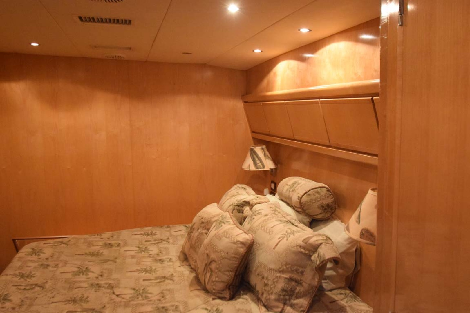 Bertram-60 Convertible 1998-CHARDAN Lighthouse Point-Florida-United States-Midship Master Stateroom-1122718 | Thumbnail