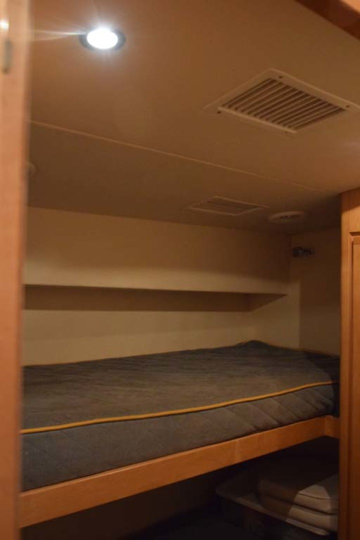 Bertram-60 Convertible 1998-CHARDAN Lighthouse Point-Florida-United States-Twin Bunkroom to Starboard-1122725 | Thumbnail