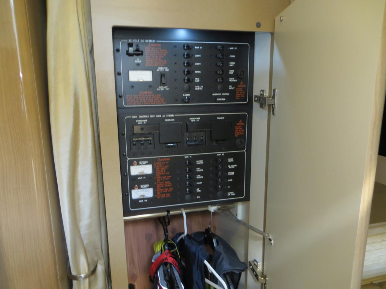 Formula-37 PC 2014-Commander Beaufort-North Carolina-United States-Electrical Panel-1122757 | Thumbnail