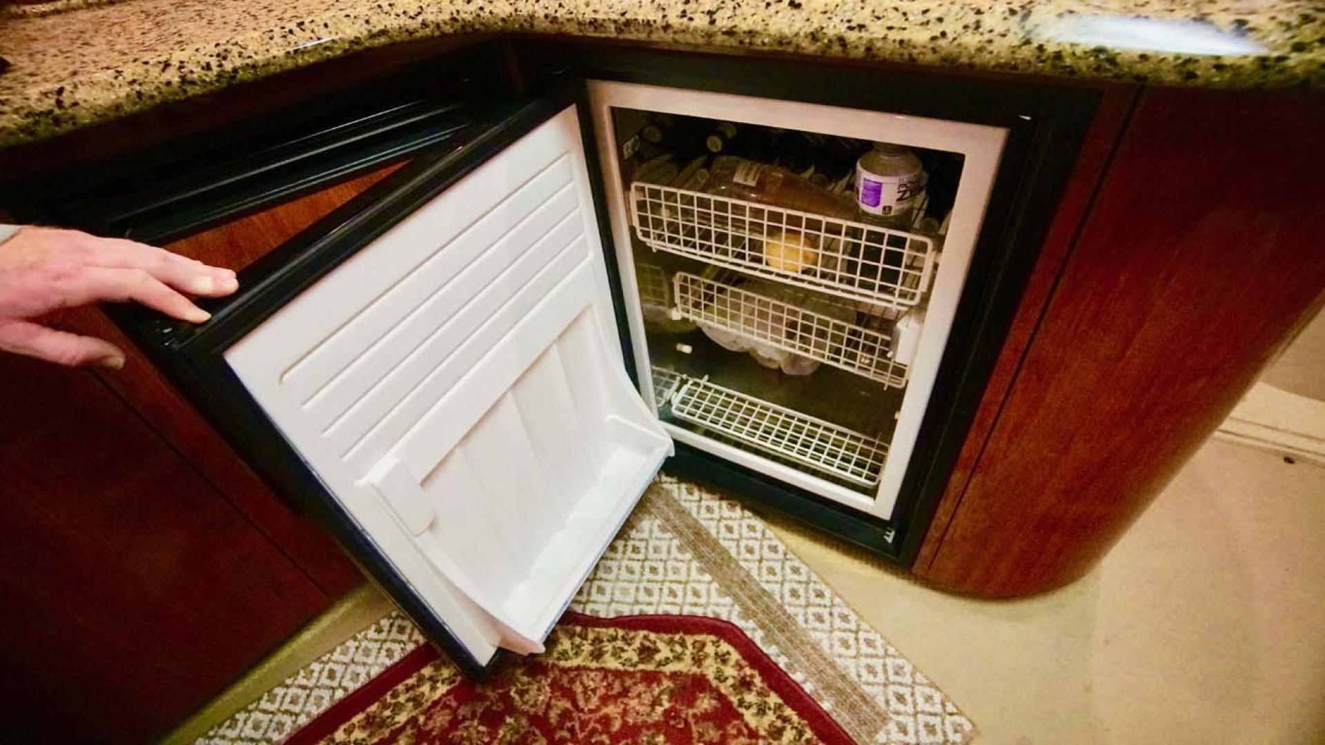 Sea Ray-Sundancer 2006-Late Fee Destin-Florida-United States-Galley Refrigerator-1126017 | Thumbnail