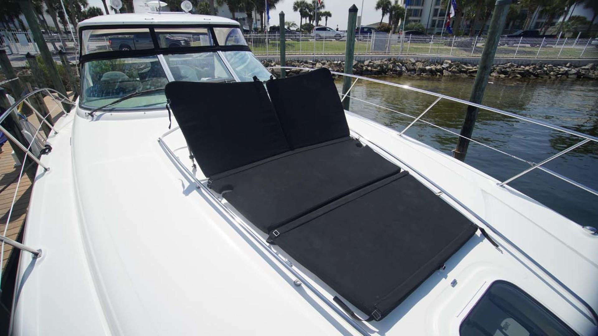 Sea Ray-Sundancer 2006-Late Fee Destin-Florida-United States-Foredeck Sunpad-1125971 | Thumbnail