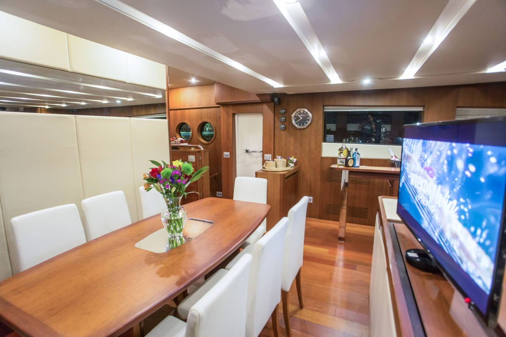 85' Aicon, Listing Number 100826240, - Photo No. 13