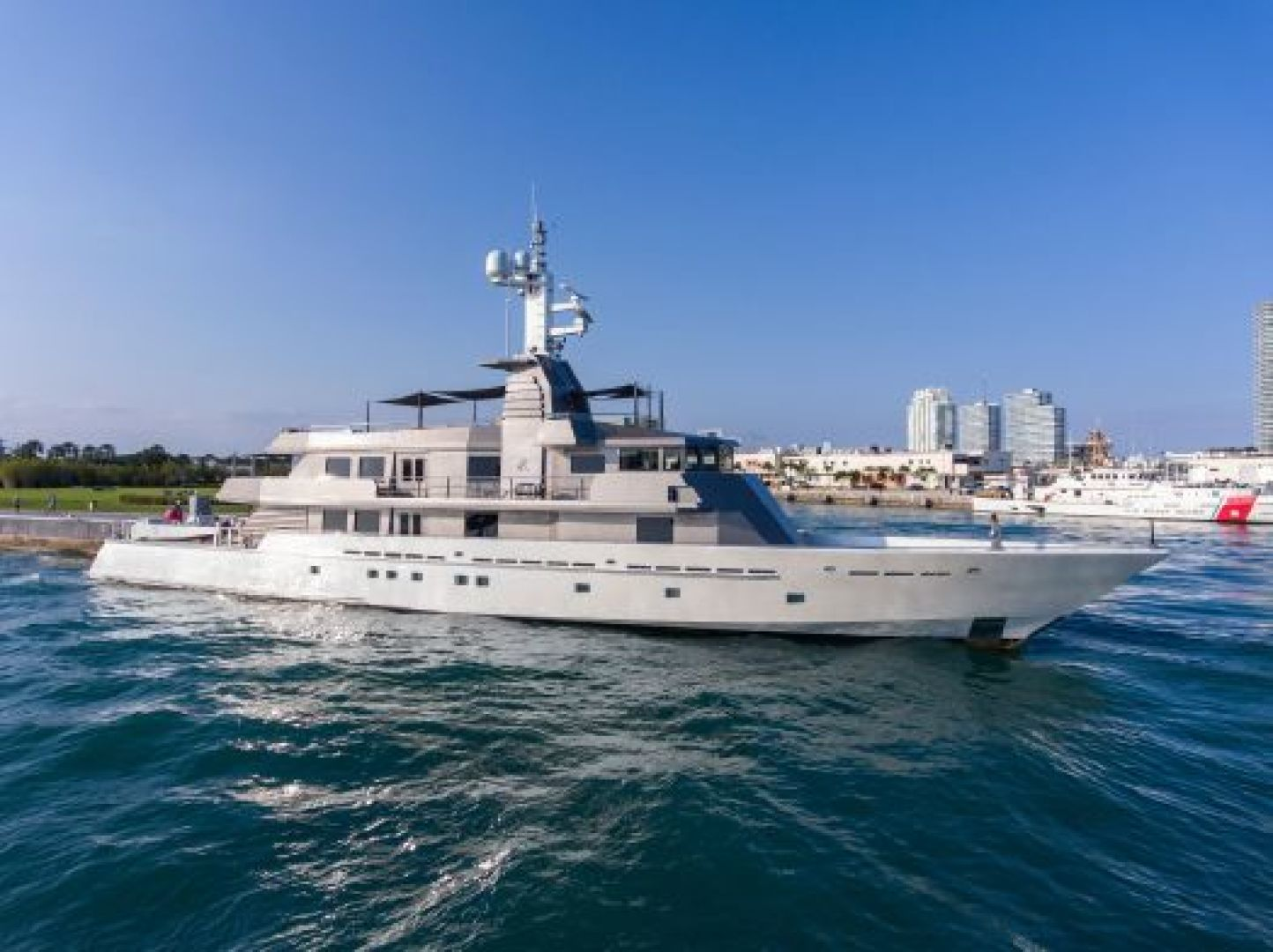 173' Oceanfast Custom Superyacht