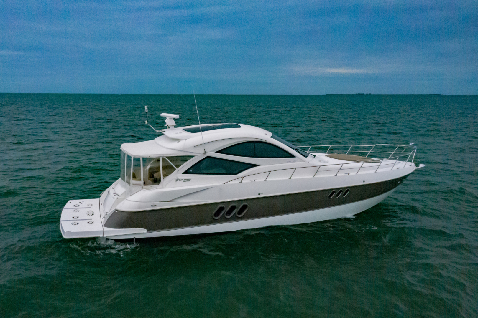 Cruisers-540 Coupe 2014-Galati Yacht Sales Trade Destin-Florida-United States-2014 Cruisers 540 Coupe-1417874 | Thumbnail