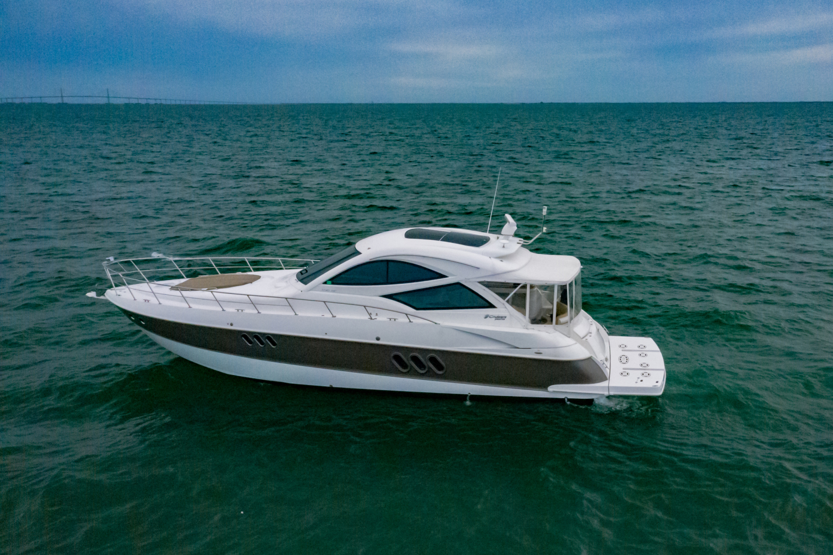Cruisers-540 Coupe 2014-Galati Yacht Sales Trade Destin-Florida-United States-2014 Cruisers 540 Coupe-1417881 | Thumbnail