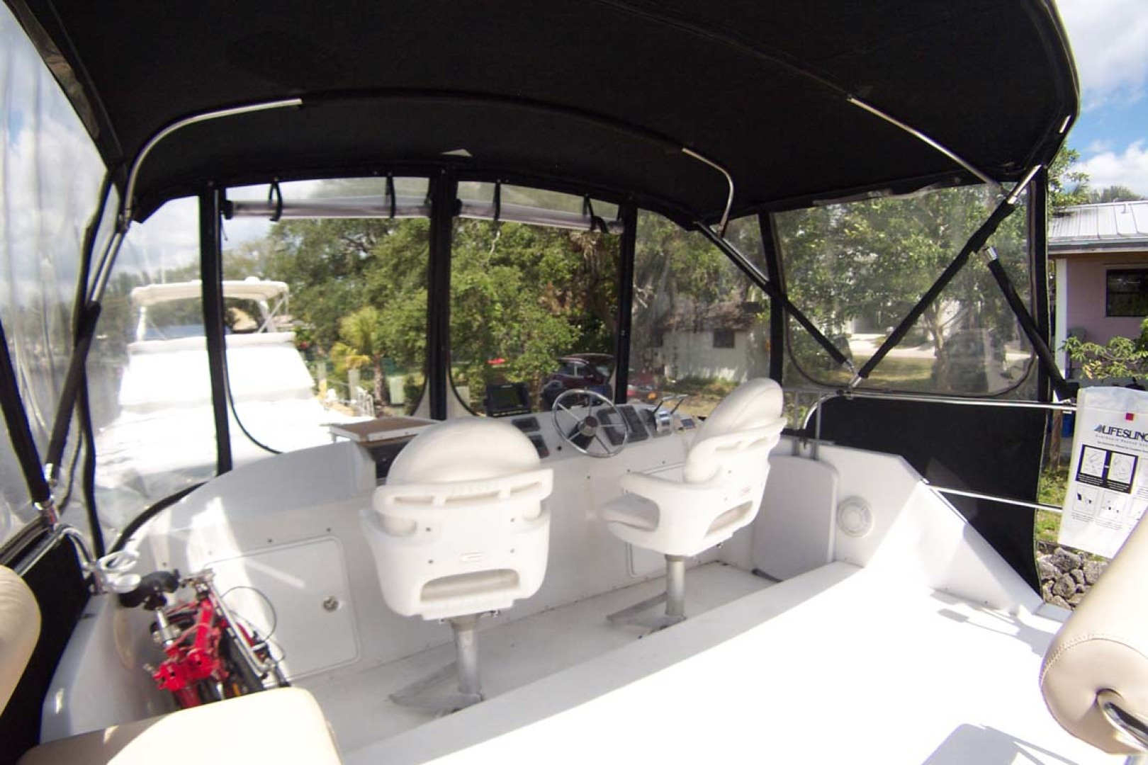 PDQ-MV34 2003-Easy Riders Stuart-Florida-United States-10 Flybridge Helm Seating-1139514 | Thumbnail