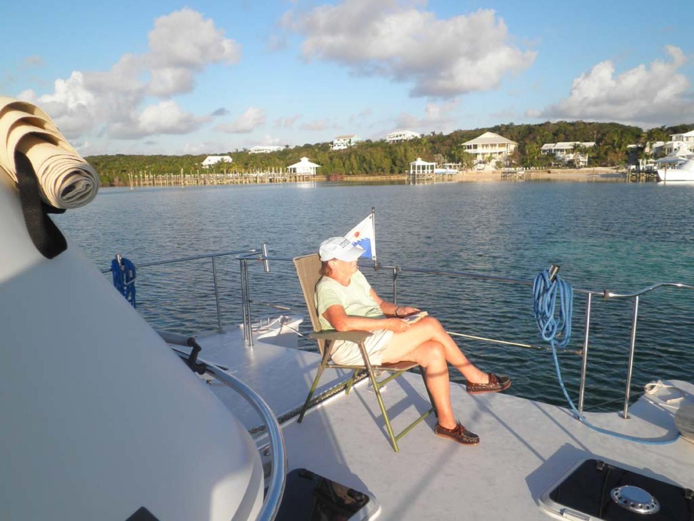 PDQ-MV34 2003-Easy Riders Stuart-Florida-United States-3 Expansive Foredeck Relaxation-1139505 | Thumbnail