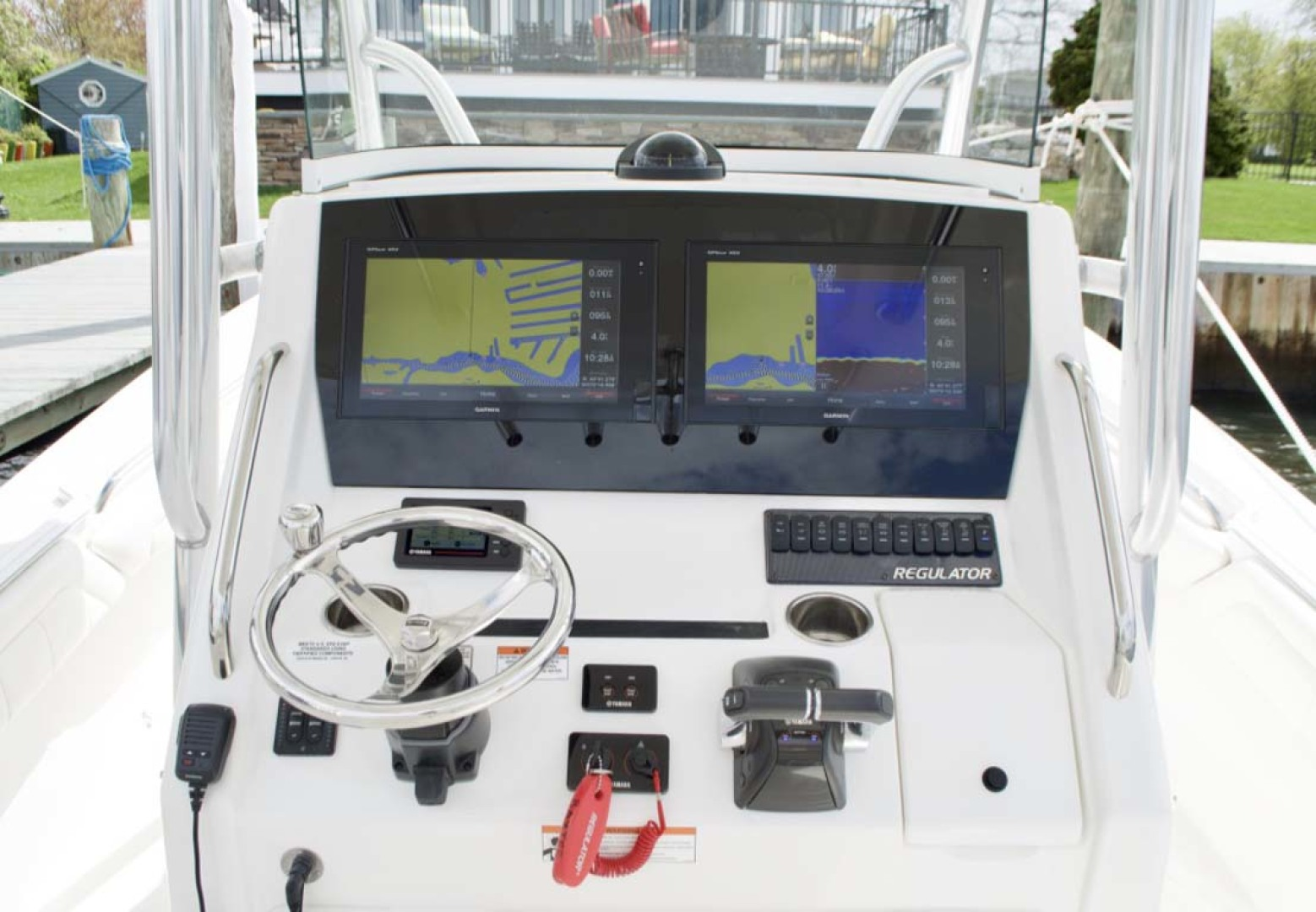 Regulator-28 Center Console 2018 -Babylon-New York-United States-Helm-1156119 | Thumbnail