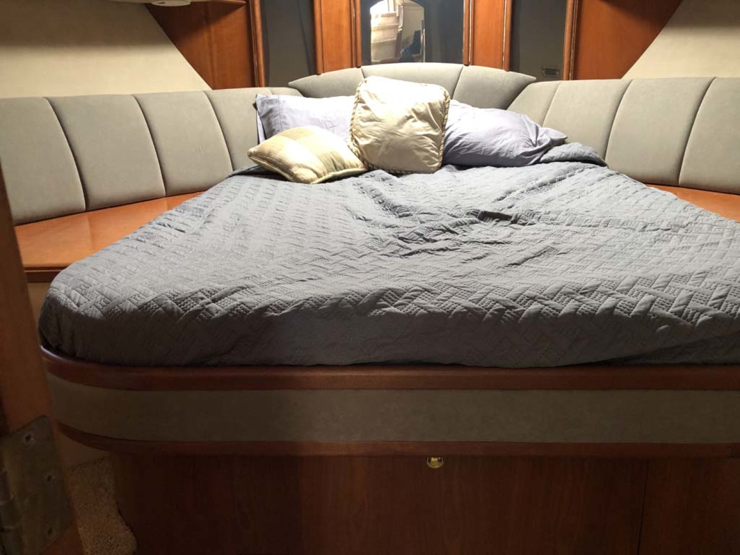 Cruisers Yachts-4450 Motor Yacht 2000-Lulu Miami-Florida-United States-Guest Suite-1145298 | Thumbnail