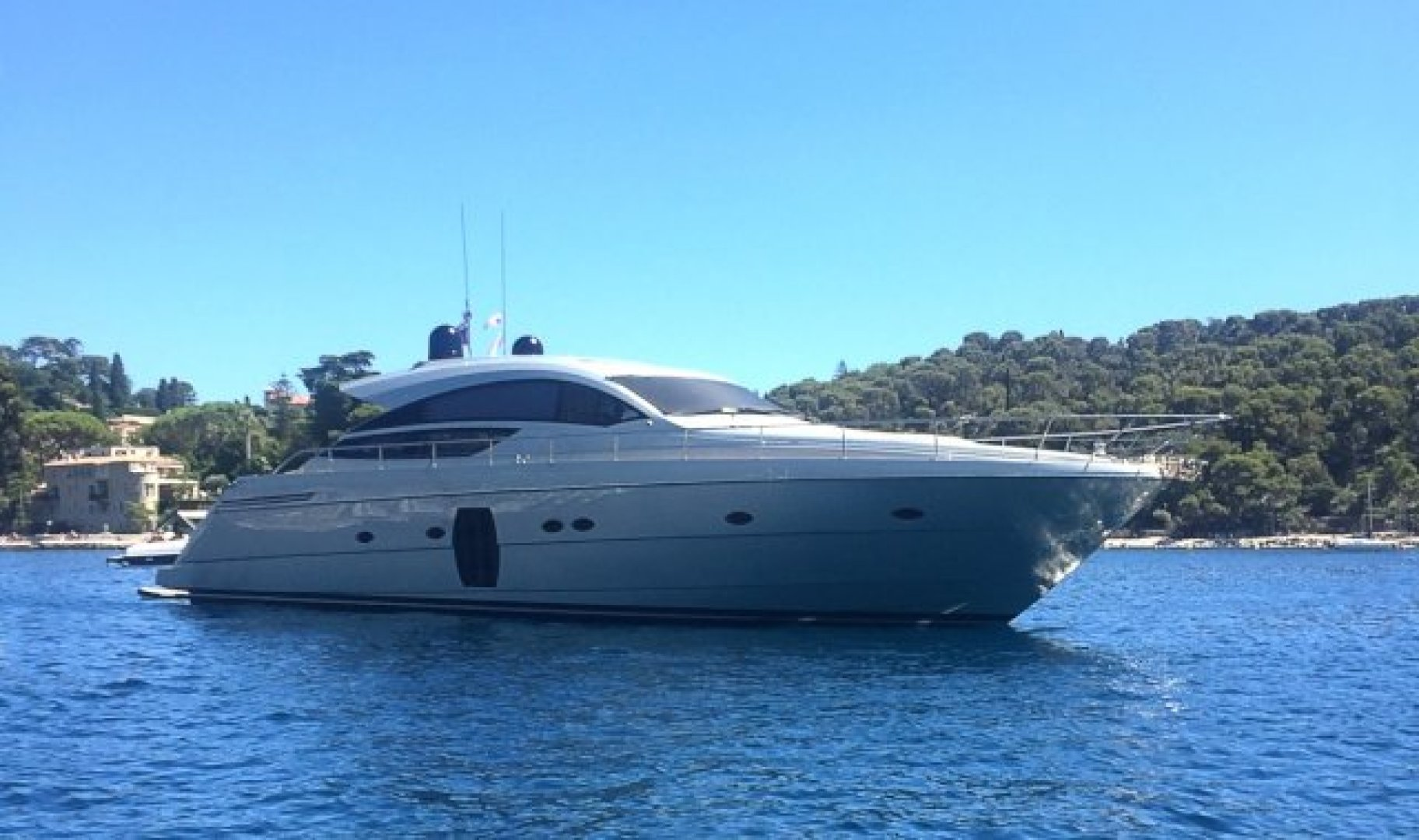 Picture Of: 64' Pershing 64 2010 Yacht For Sale | 1 of 27