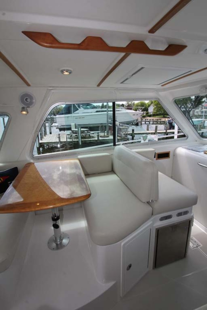 Back Cove-34 2015-Blue Chip Arnold-Maryland-United States-Dinette And Companion Helm Seat-1152195 | Thumbnail