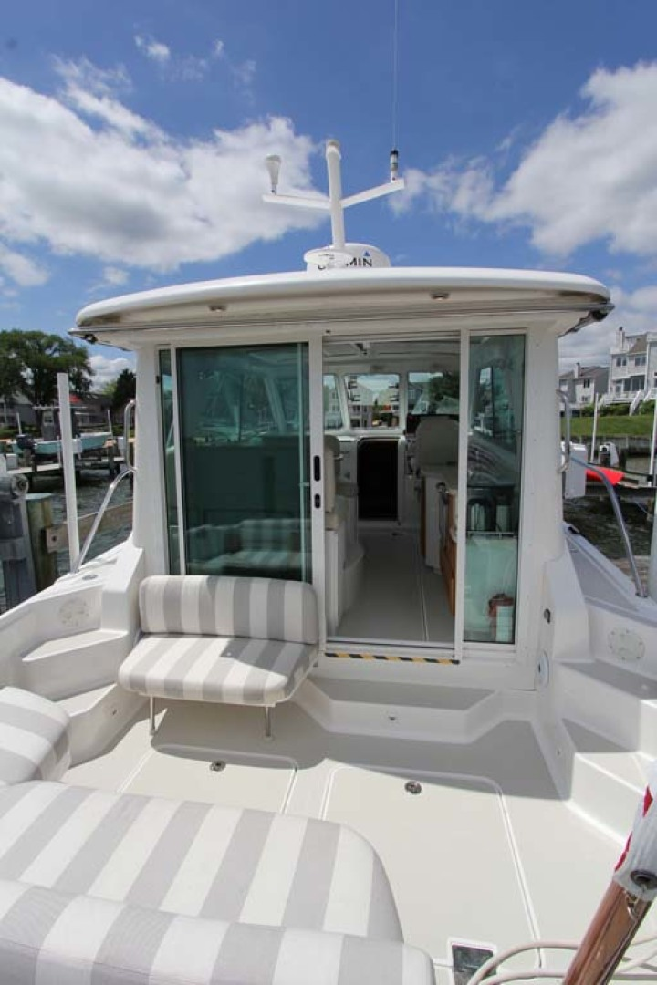 Back Cove-34 2015-Blue Chip Arnold-Maryland-United States-Cockpit Sunshade Retracted-1152208 | Thumbnail