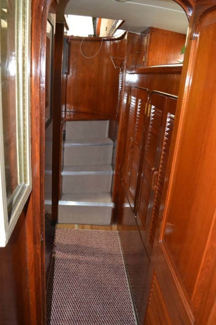 Gulfstar-Motor Yacht 1987-Philos Palm Coast-Florida-United States-Stairs to Aft Stateroom-1345039 | Thumbnail