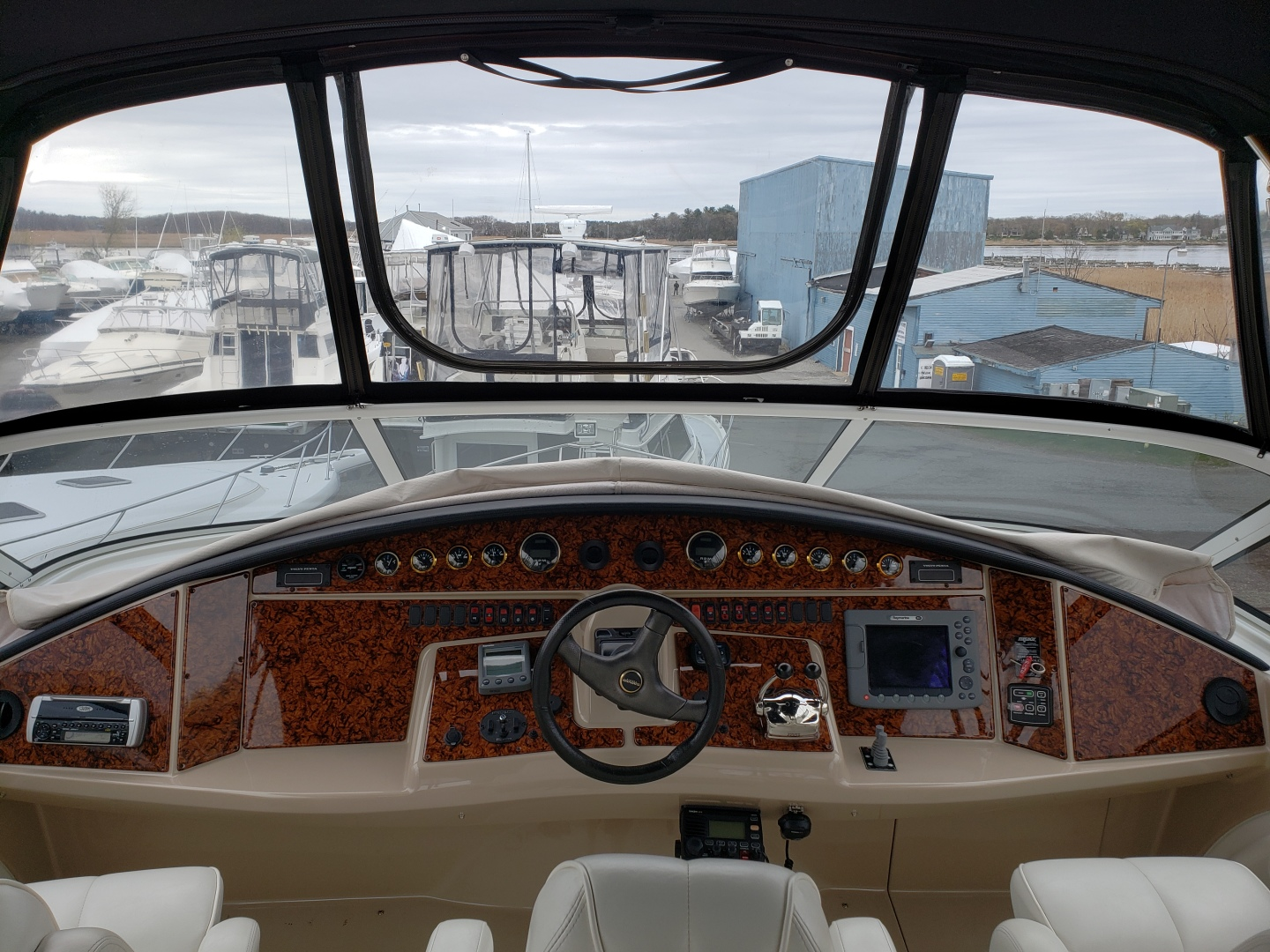 Picture Of: 46' Carver 466 2005 Yacht For Sale   2 of 15