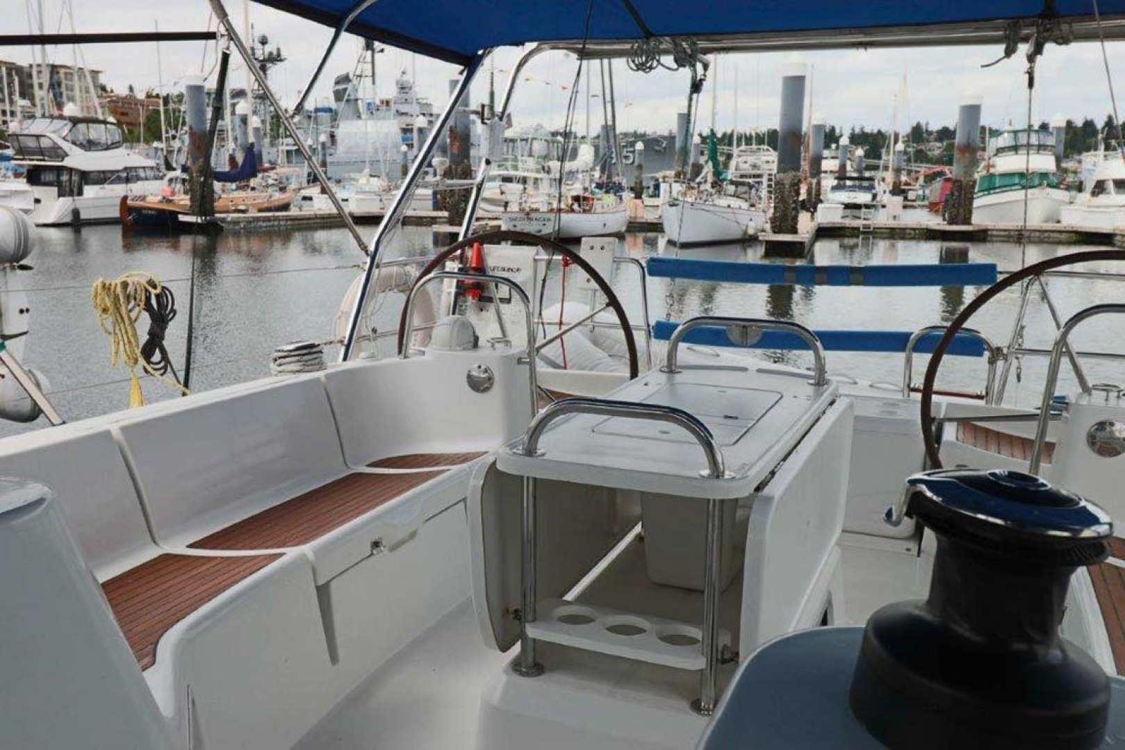 Jeanneau-Sun Odyssey 44i 2010-Intrigue Poulsbo-Washington-United States-Cockpit Seating-1153345 | Thumbnail