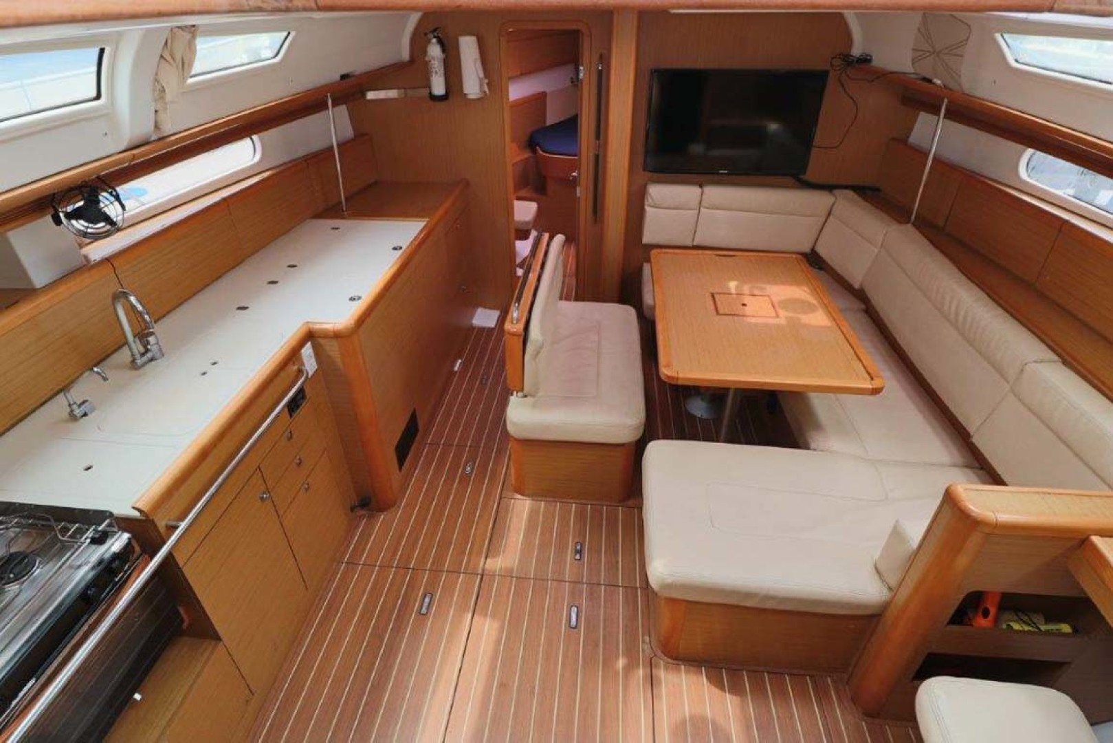 Jeanneau-Sun Odyssey 44i 2010-Intrigue Poulsbo-Washington-United States-Salon And Galley-1153315 | Thumbnail