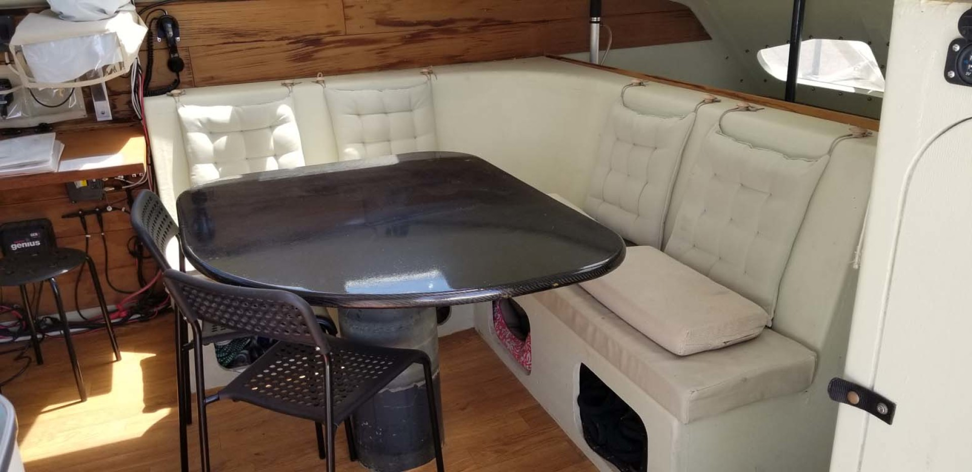 Farrier-44 SC 2014-Mariana Guaymas, SONORA-Mexico-Carbon Fiber Dinette, Wraparound Seating, Stbd Side Main Salon-1159443 | Thumbnail