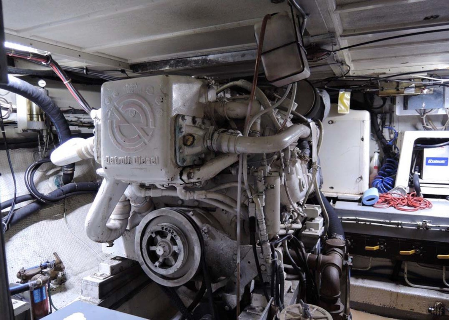 Hatteras-Cockpit Motoryacht 1983-Southern Cross Essex-Connecticut-United States-Engine Room   Starboard Engine-1155710 | Thumbnail