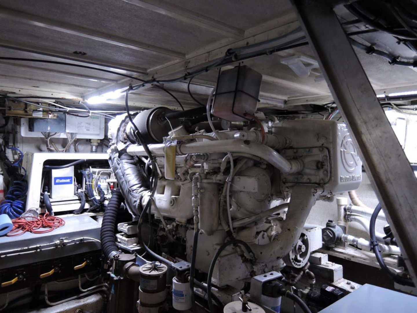Hatteras-Cockpit Motoryacht 1983-Southern Cross Essex-Connecticut-United States-Engine Room   Port Engine-1155711 | Thumbnail