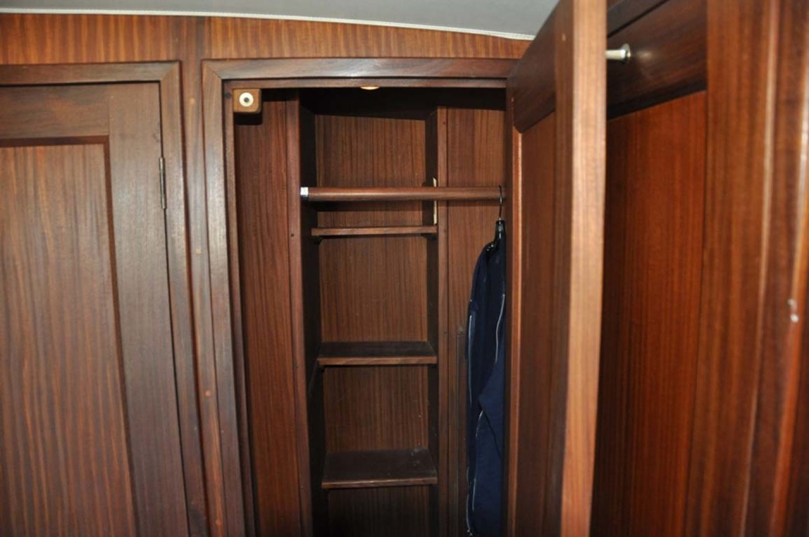 Hatteras-Cockpit Motoryacht 1983-Southern Cross Essex-Connecticut-United States-Master Hanging Locker-1155695 | Thumbnail