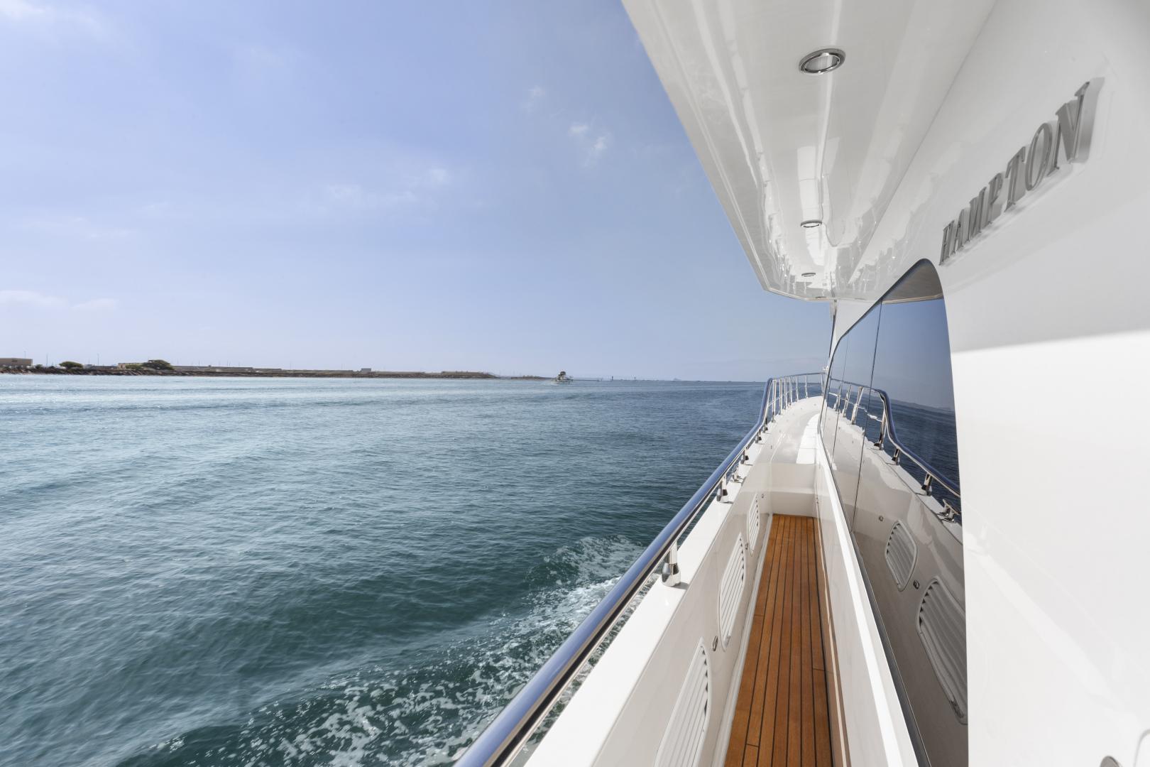 Hampton-76 Skylounge Motoryacht 2014-ODYSEA San Diego-California-United States-SIDE DECK-1165191 | Thumbnail