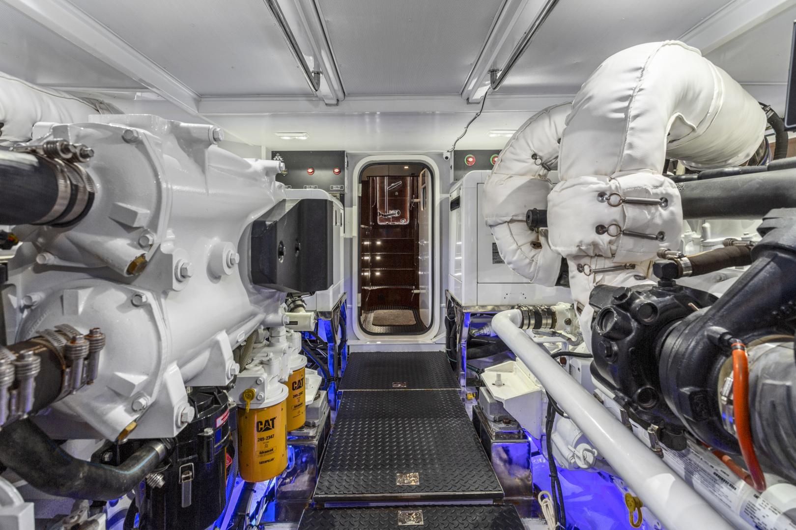 Hampton-76 Skylounge Motoryacht 2014-ODYSEA San Diego-California-United States-ENGINE ROOM-1165177 | Thumbnail