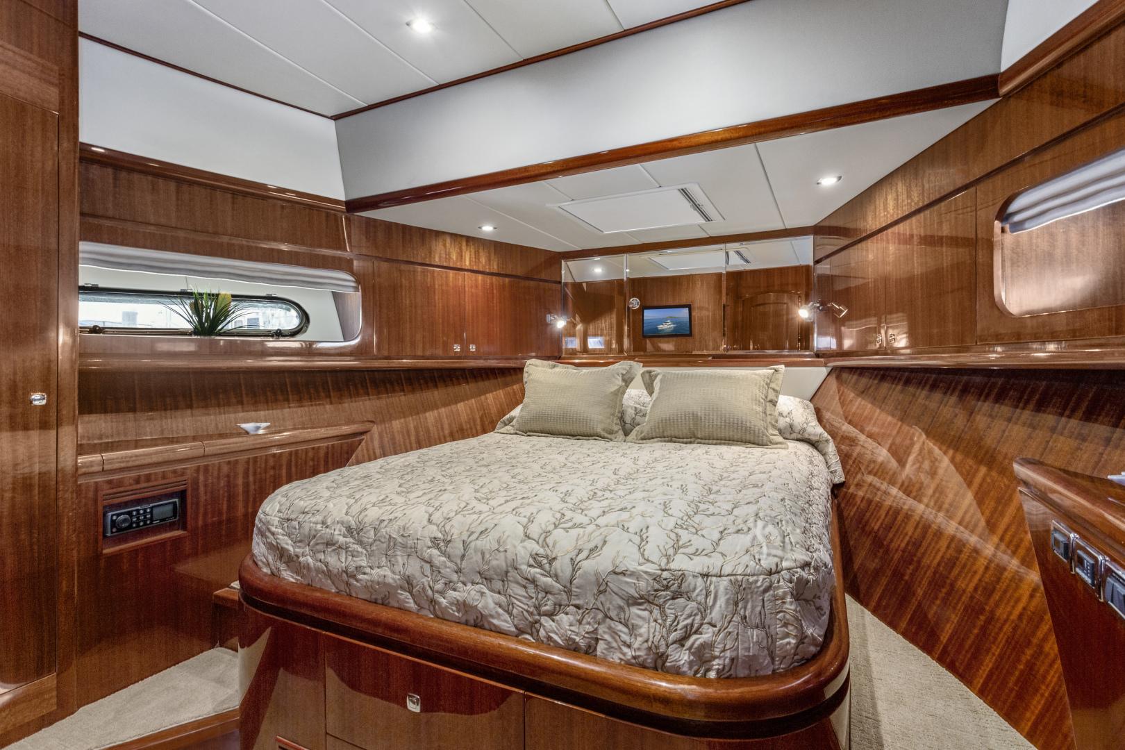 Hampton-76 Skylounge Motoryacht 2014-ODYSEA San Diego-California-United States-VIP STATEROOM-1165167 | Thumbnail
