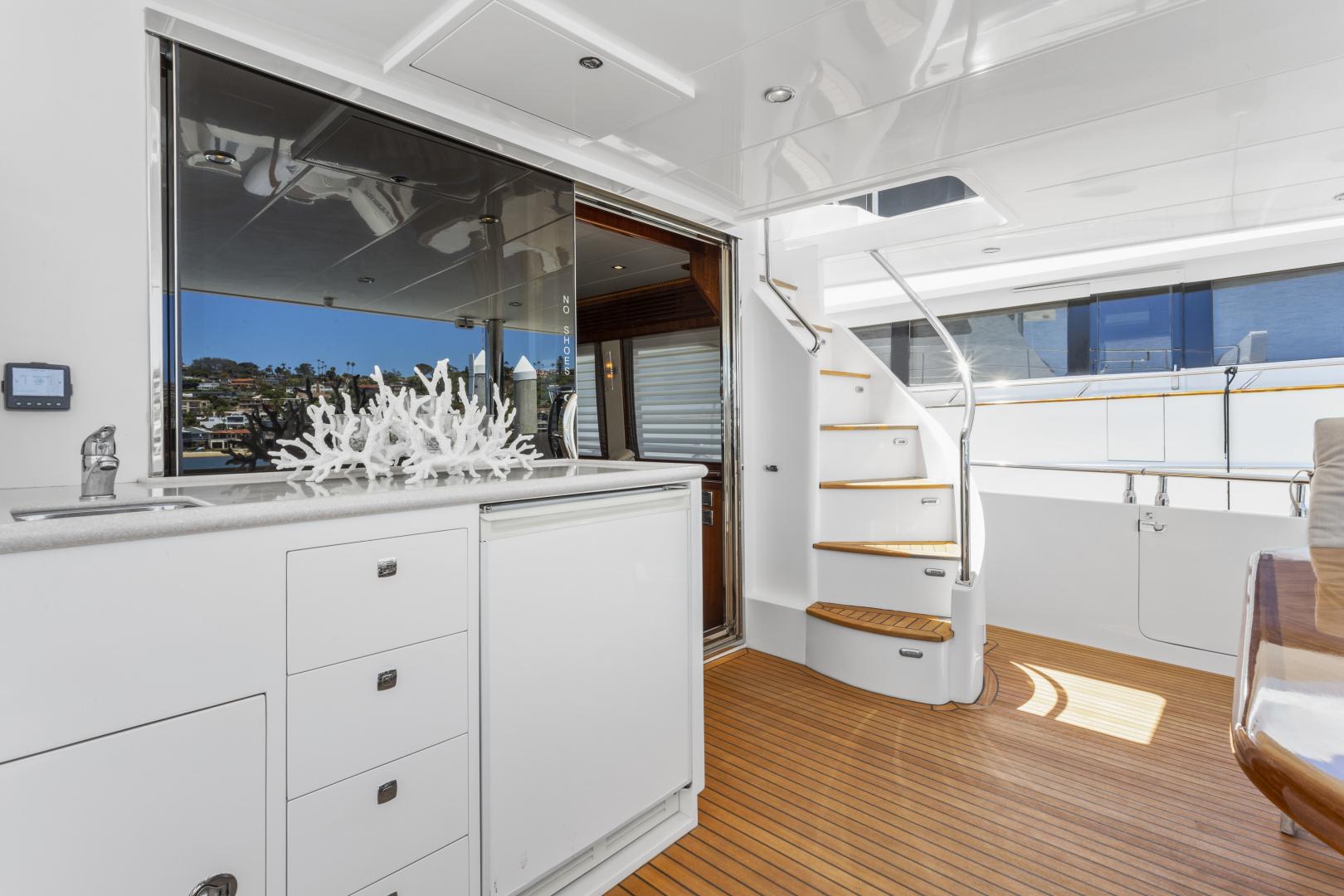 Hampton-76 Skylounge Motoryacht 2014-ODYSEA San Diego-California-United States-AFT DECK-1165181 | Thumbnail