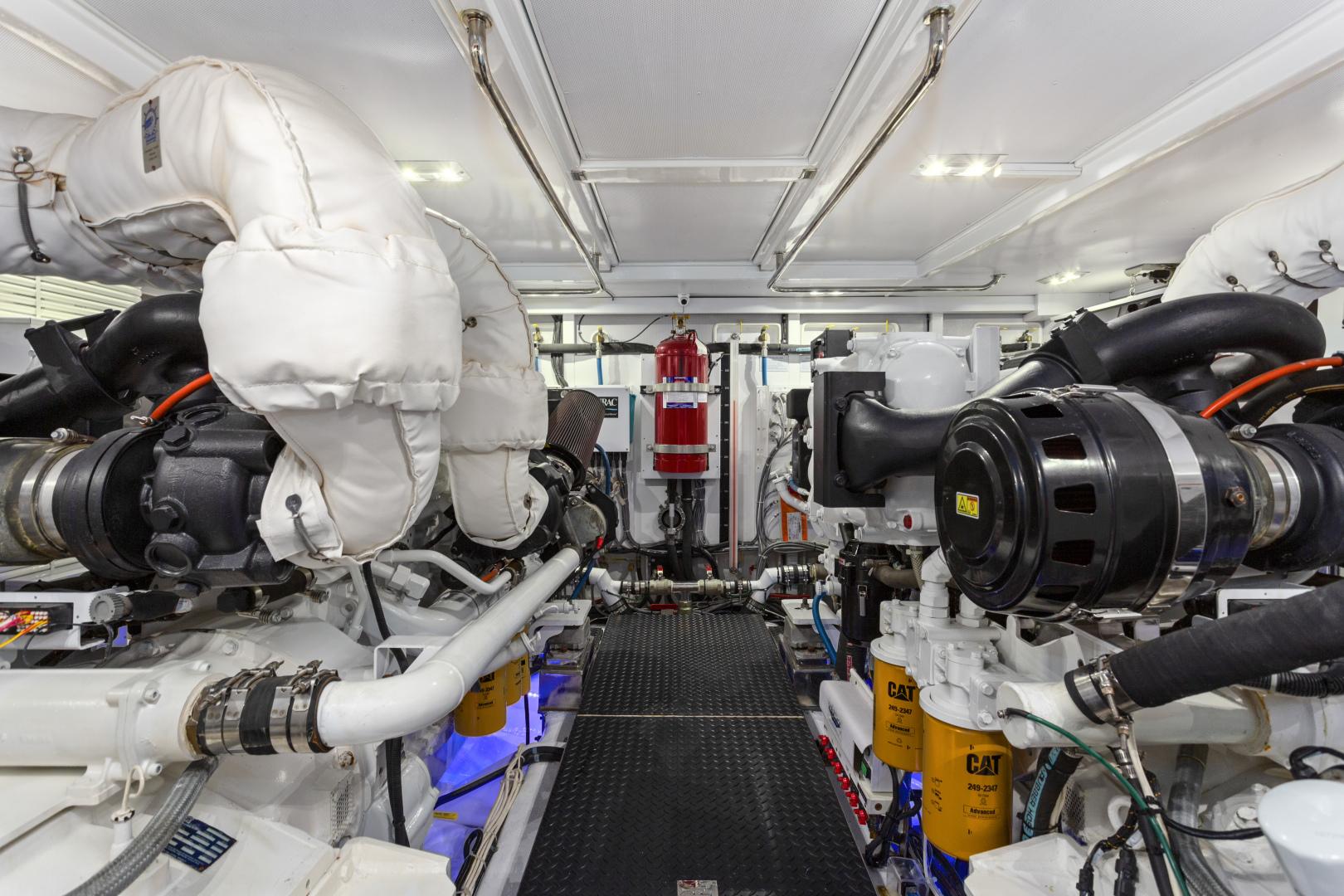 Hampton-76 Skylounge Motoryacht 2014-ODYSEA San Diego-California-United States-ENGINE ROOM-1165176 | Thumbnail