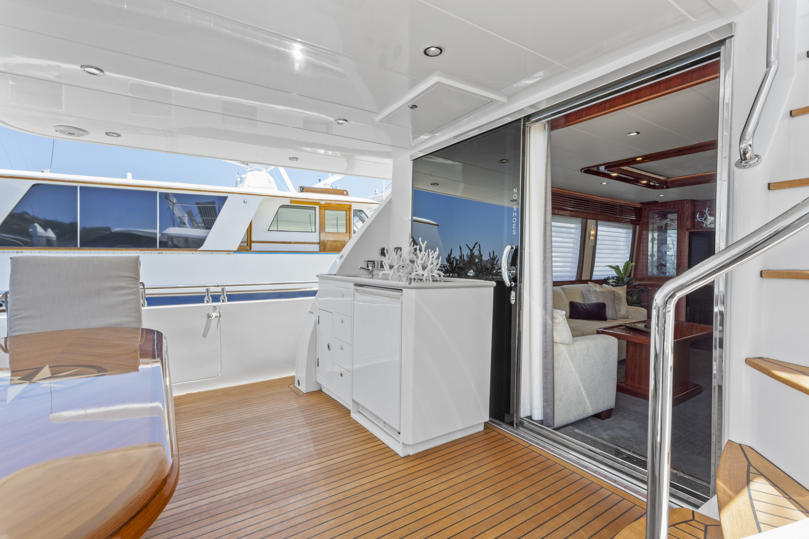 Hampton-76 Skylounge Motoryacht 2014-ODYSEA San Diego-California-United States-AFT DECK-1165182 | Thumbnail