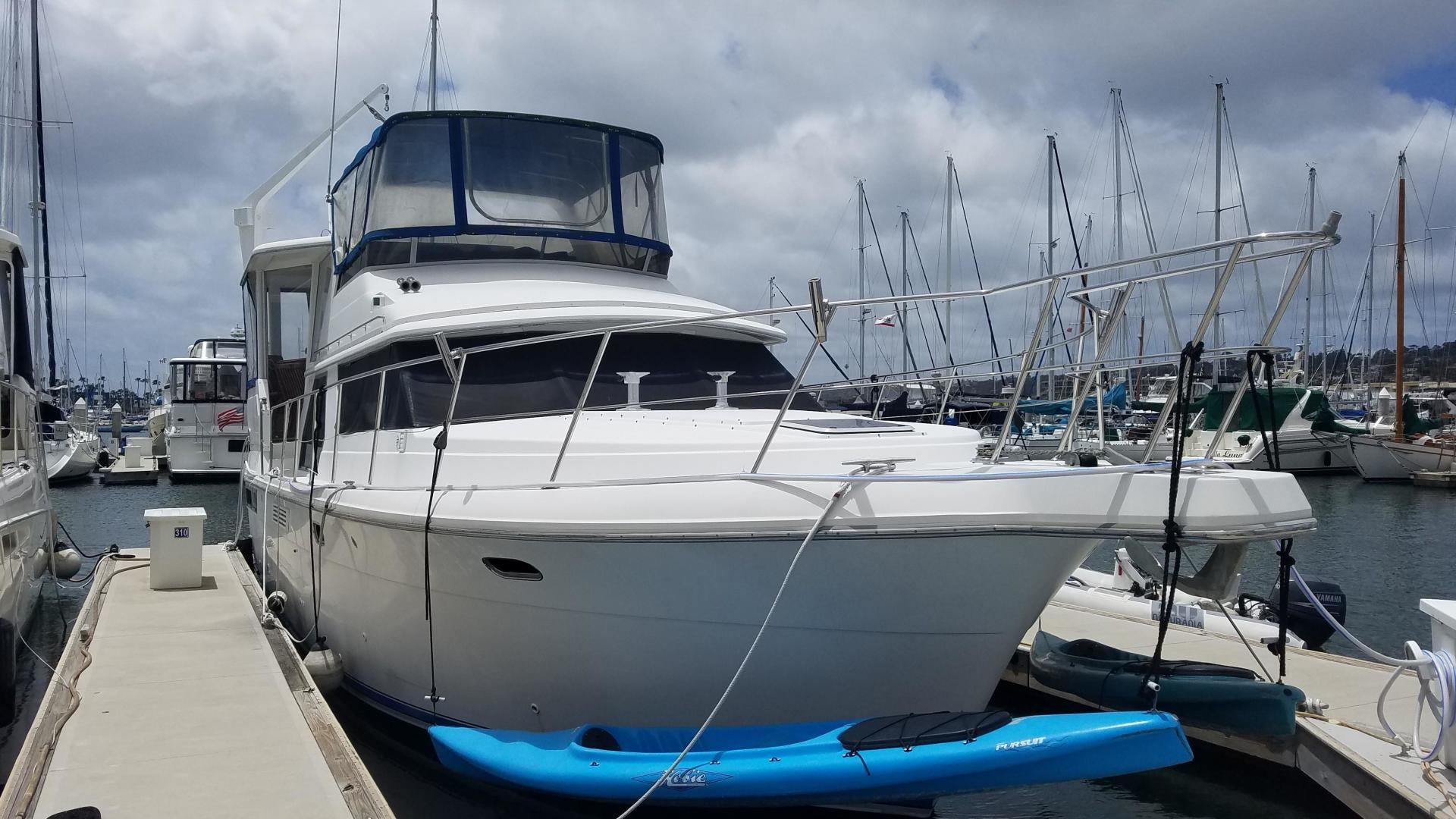 Picture Of: 47' Carver 440 Aft Cabin 1994 Yacht For Sale | 1 of 7