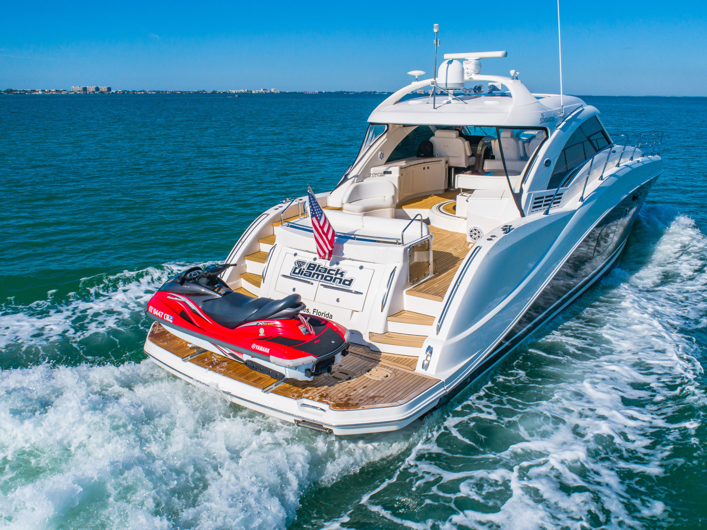 Picture Of: 60' Sea Ray 55 Sundancer 2008 Yacht For Sale   2 of 57