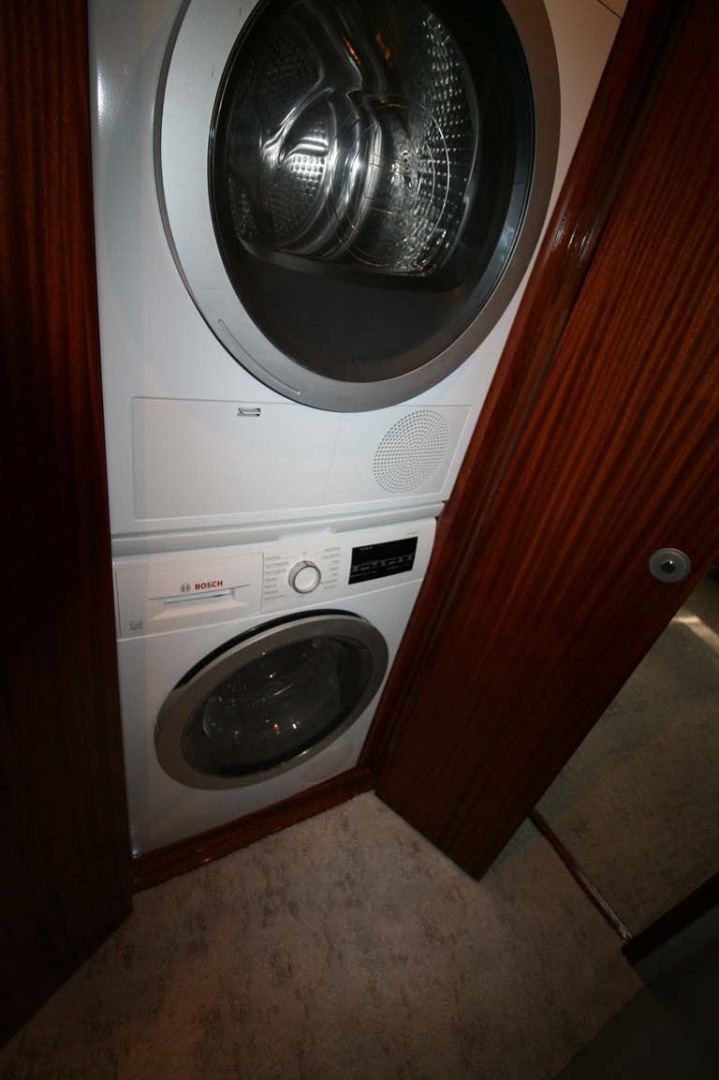 Titan-Convertible 2019-Effie Mae Ocean City-New Jersey-United States-18 Washer   Dryer-1163392 | Thumbnail