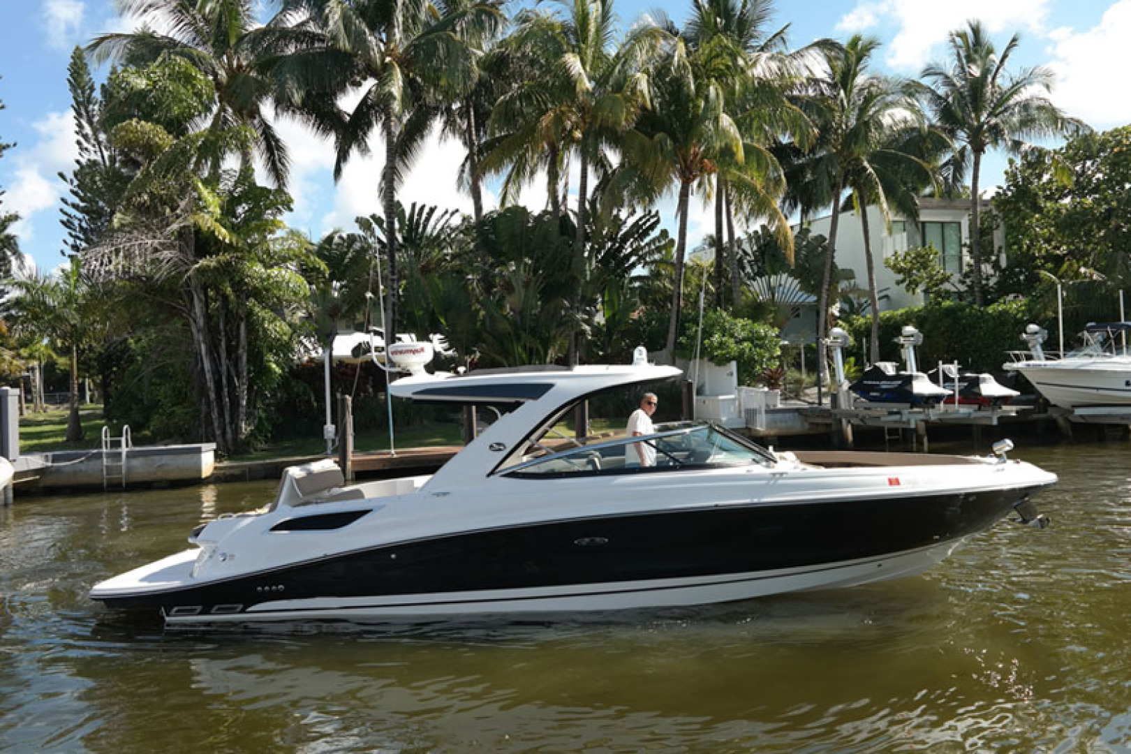 Picture Of: 35' Sea Ray 350 SLX 2016 Yacht For Sale | 1 of 22