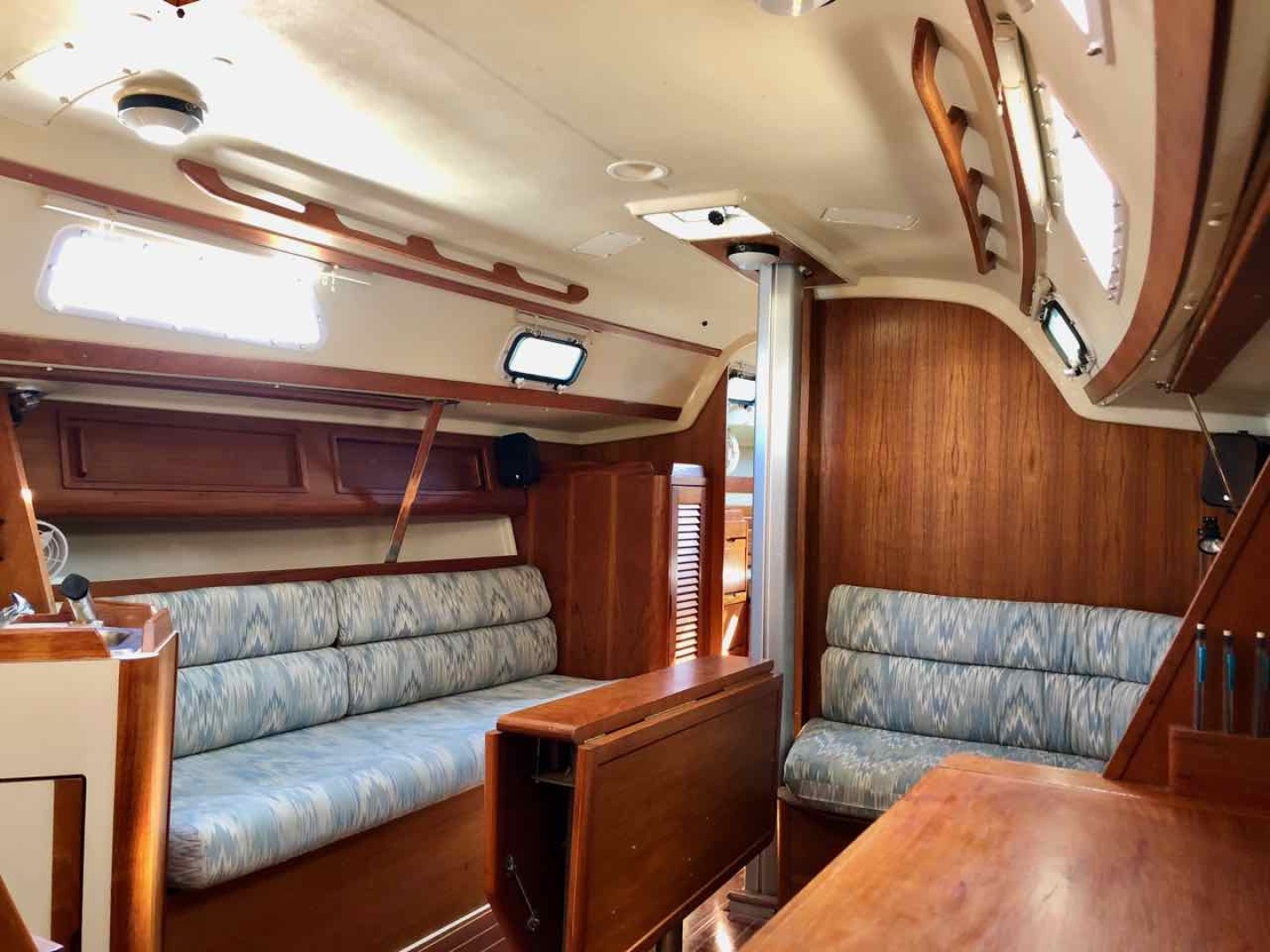 31' 1991 Pearson 31 | Tampa Yacht Sales
