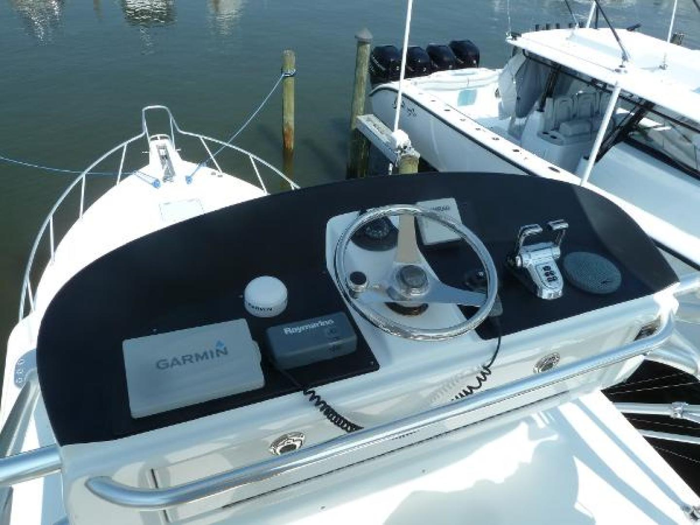 35' 2006 Cabo | Tampa Yacht Sales