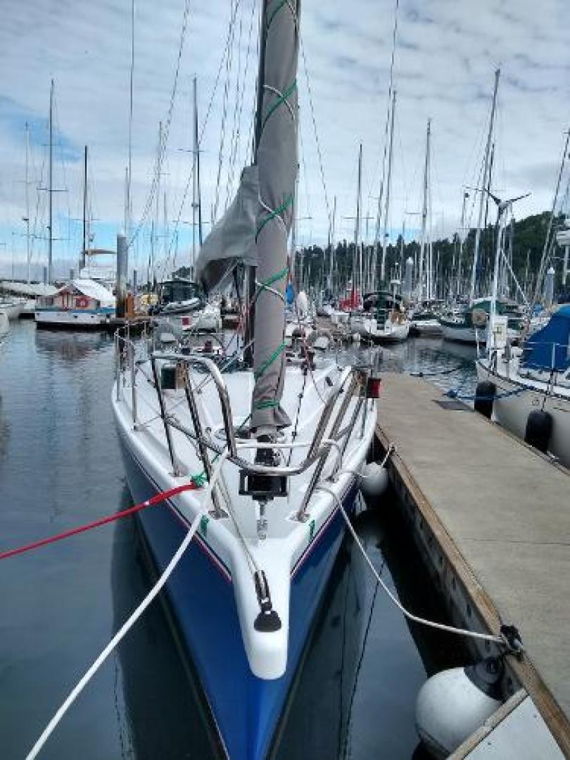 Picture Of: 36' Perry Custom Boomer Day Sailor 2007 Yacht For Sale | 2 of 10