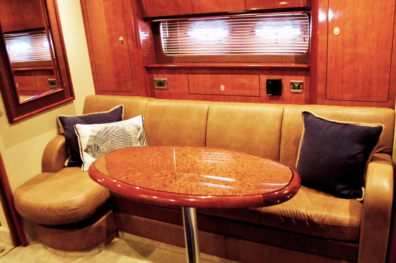 Sea Ray-390 Sundancer 2005-For My Boys Long Island-New York-United States-Settee, Table-1170058 | Thumbnail