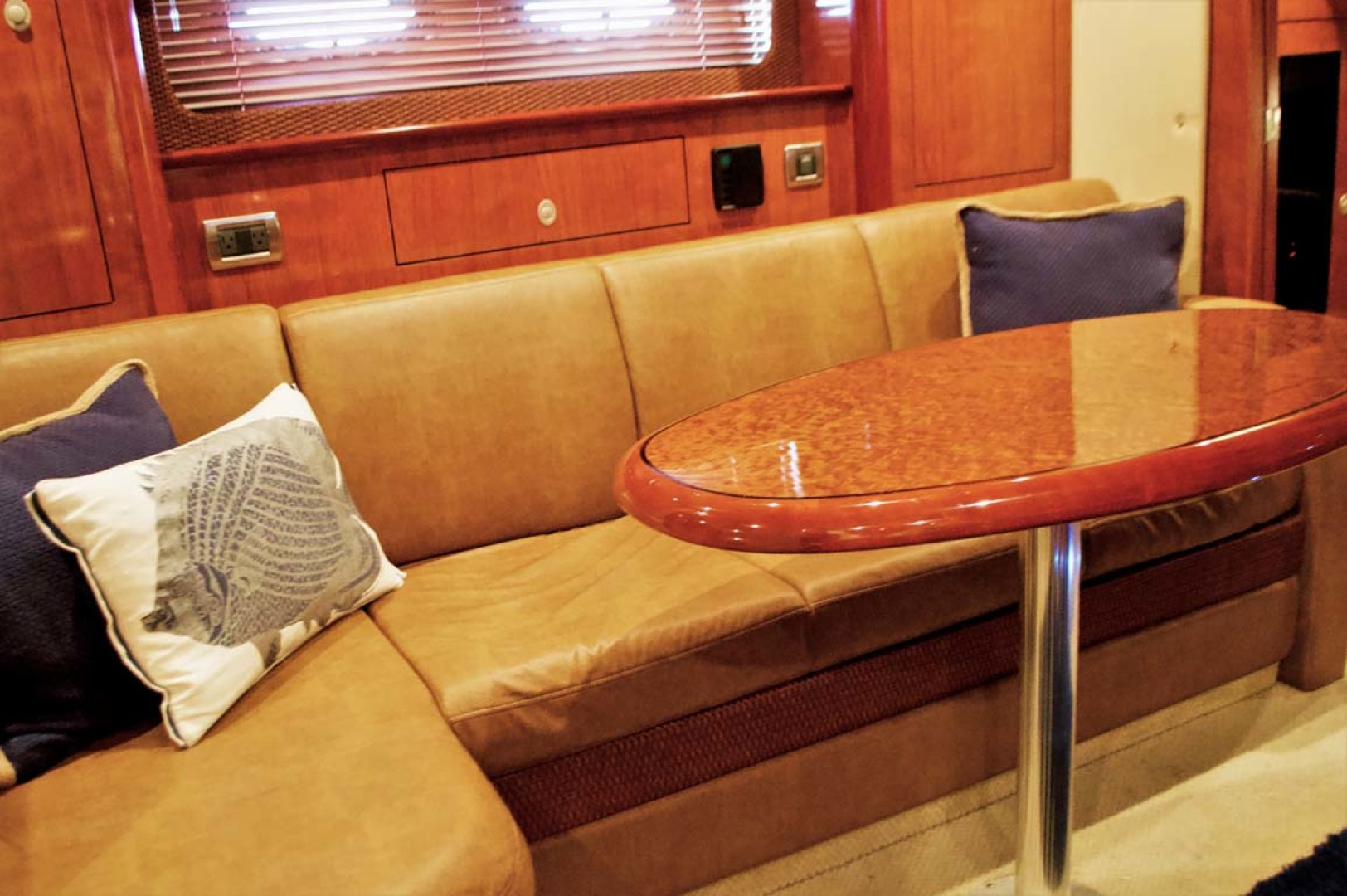 Sea Ray-390 Sundancer 2005-For My Boys Long Island-New York-United States-L-Settee-1170057 | Thumbnail
