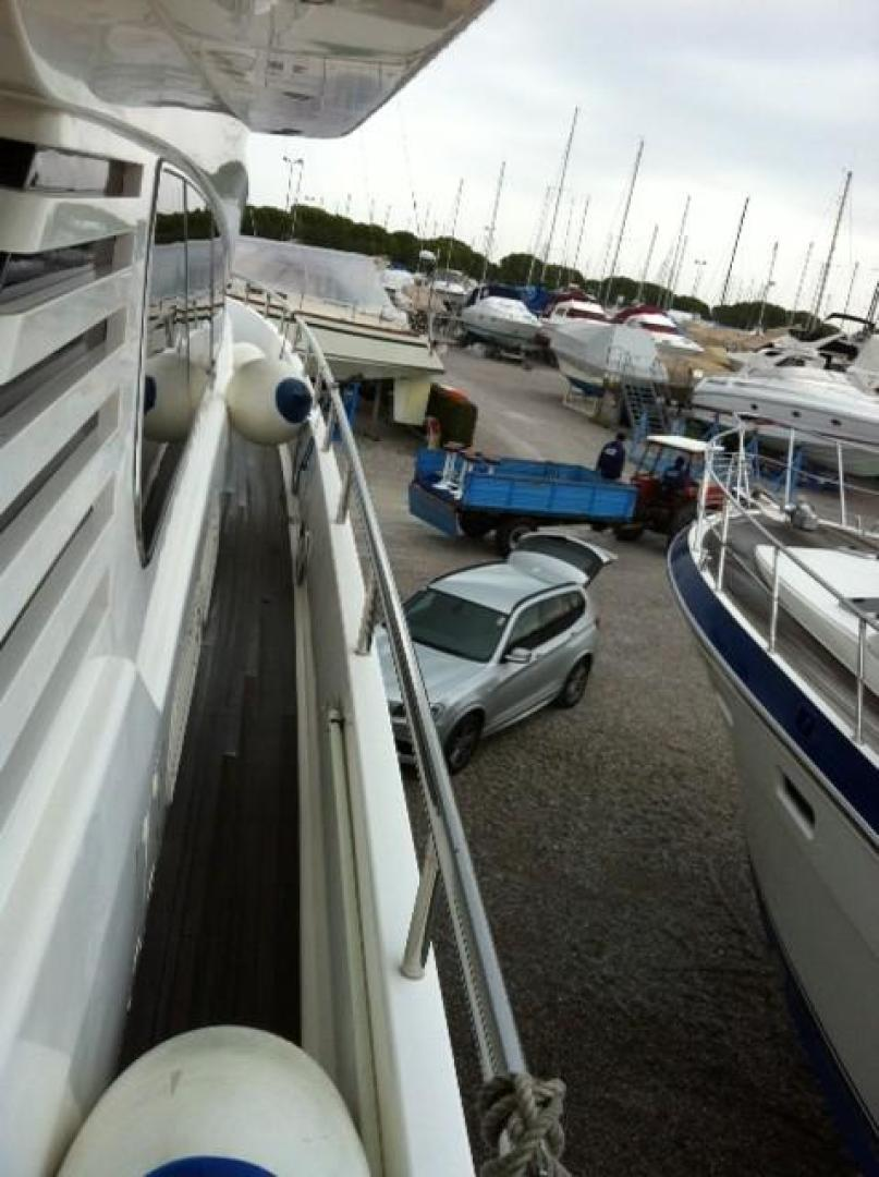 Elegance-70 Motor Yacht 1998 -Italy-1171255 | Thumbnail