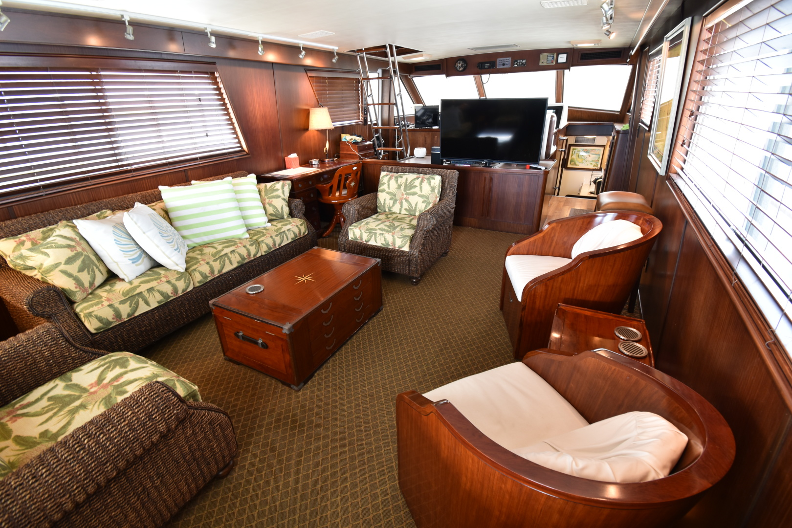 Picture Of: 67' Hatteras 67  Cockpit Motor Yacht 1988 Yacht For Sale | 2 of 78