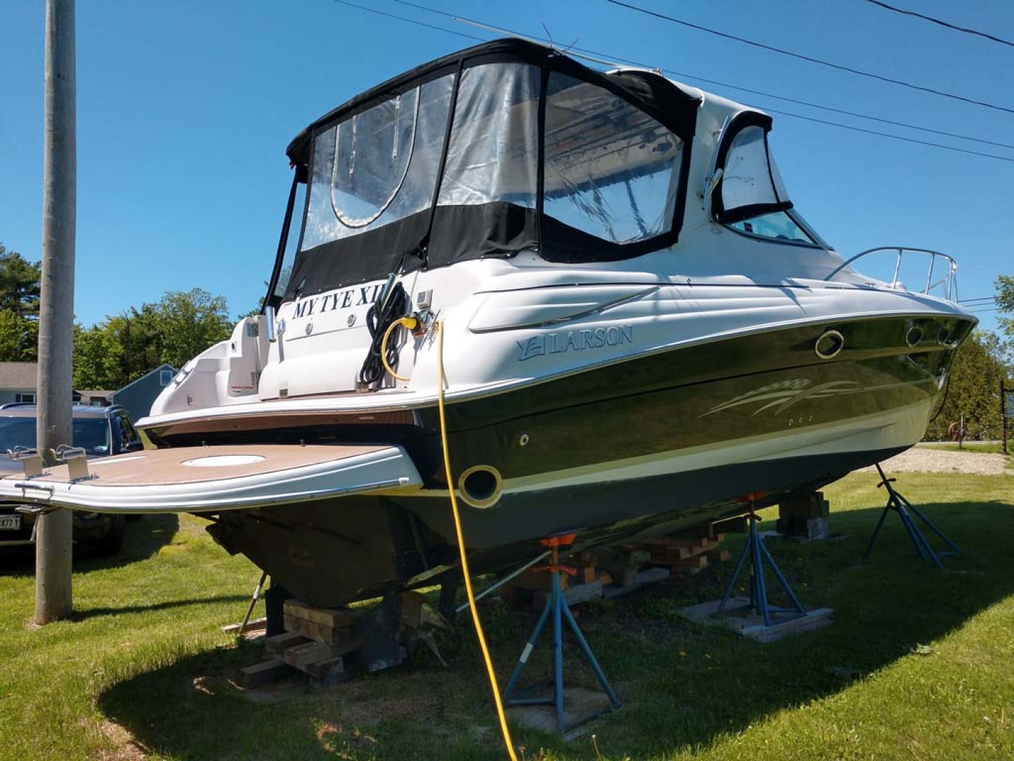 Larson-Cabrio 370 2007-My Tye XII Wiscasset-Maine-United States-Stbd Aft Qtr Profile-1174457 | Thumbnail