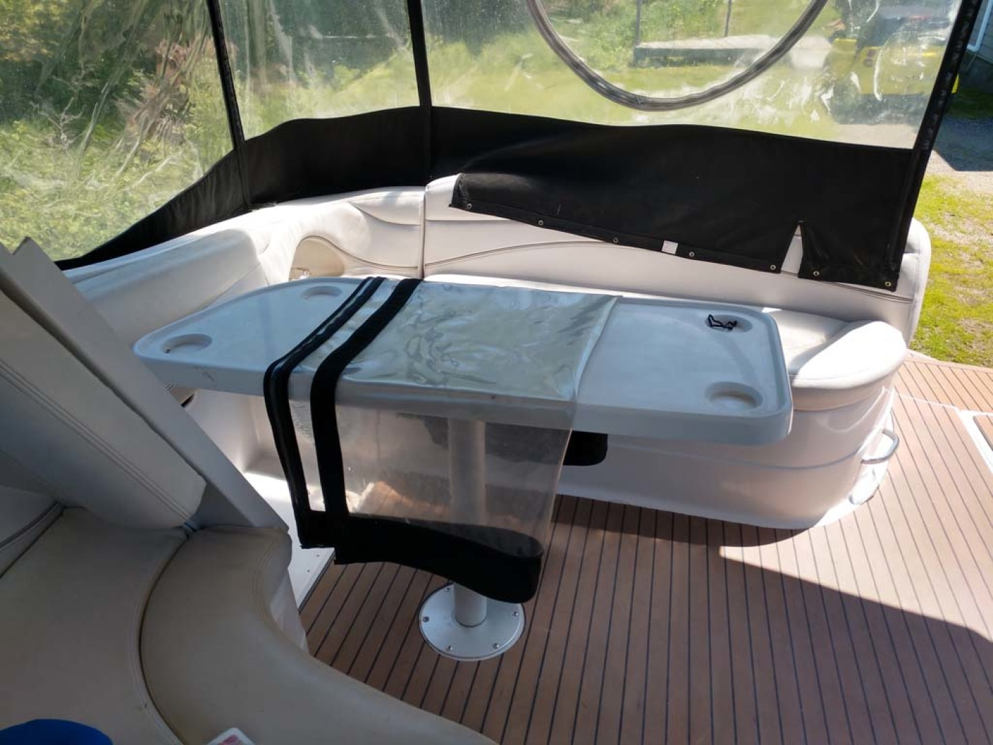 Larson-Cabrio 370 2007-My Tye XII Wiscasset-Maine-United States-Cockpit To Aft Stbd-1174464 | Thumbnail