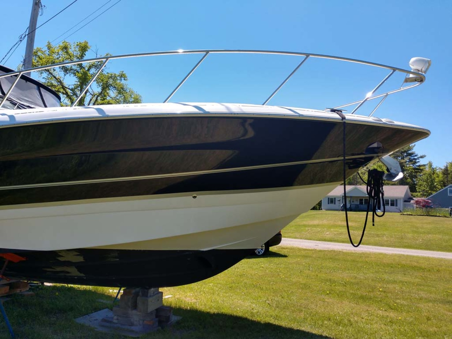 Larson-Cabrio 370 2007-My Tye XII Wiscasset-Maine-United States-Starboard Bow-1174447 | Thumbnail