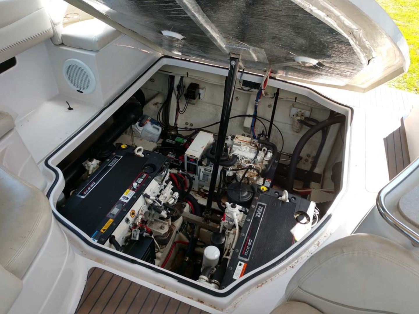 Larson-Cabrio 370 2007-My Tye XII Wiscasset-Maine-United States-Engine Compartment-1174510 | Thumbnail