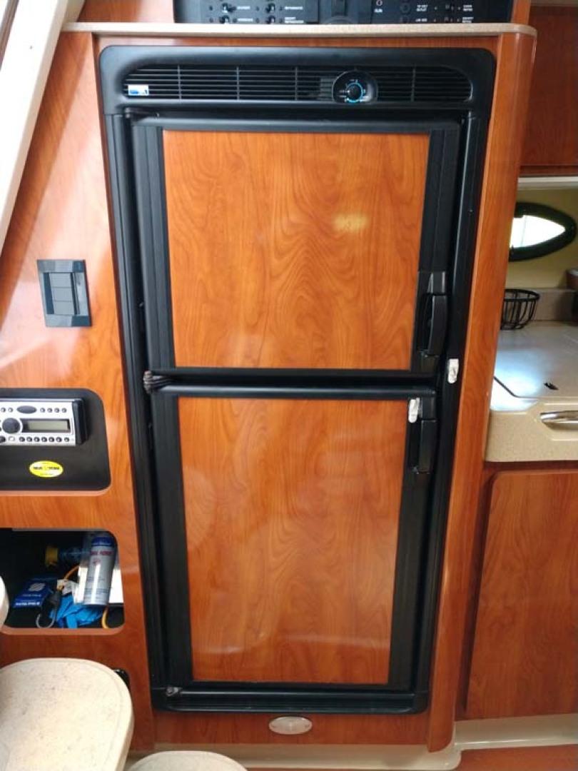 Larson-Cabrio 370 2007-My Tye XII Wiscasset-Maine-United States-Refrigerator Freezer-1174505 | Thumbnail